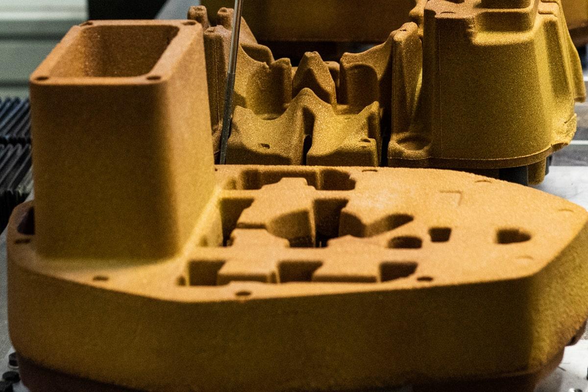 MDG Sbavatura robotizzata anime in sabbia